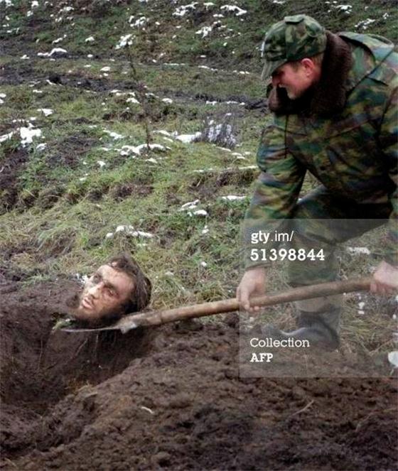 Боевики отрезали голову русскому солдату